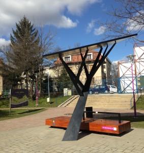 "Primul ""copac digital"" cu conexiune Wi-Fi din România, disponibil în portofoliul Telekom Romania"
