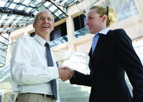 Numarul de angajati din industria serviciilor pentru afaceri va creste cu peste 60% pana in 2017