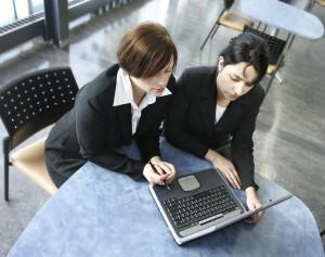 Vizibilitate completă asupra bonităţii financiare şi solvabilităţii partenerilor de business