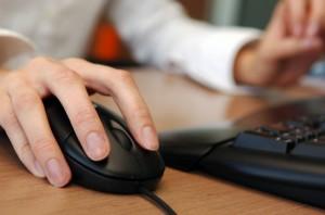 Pot citi angajatorii conversatiile private ale salariatilor?
