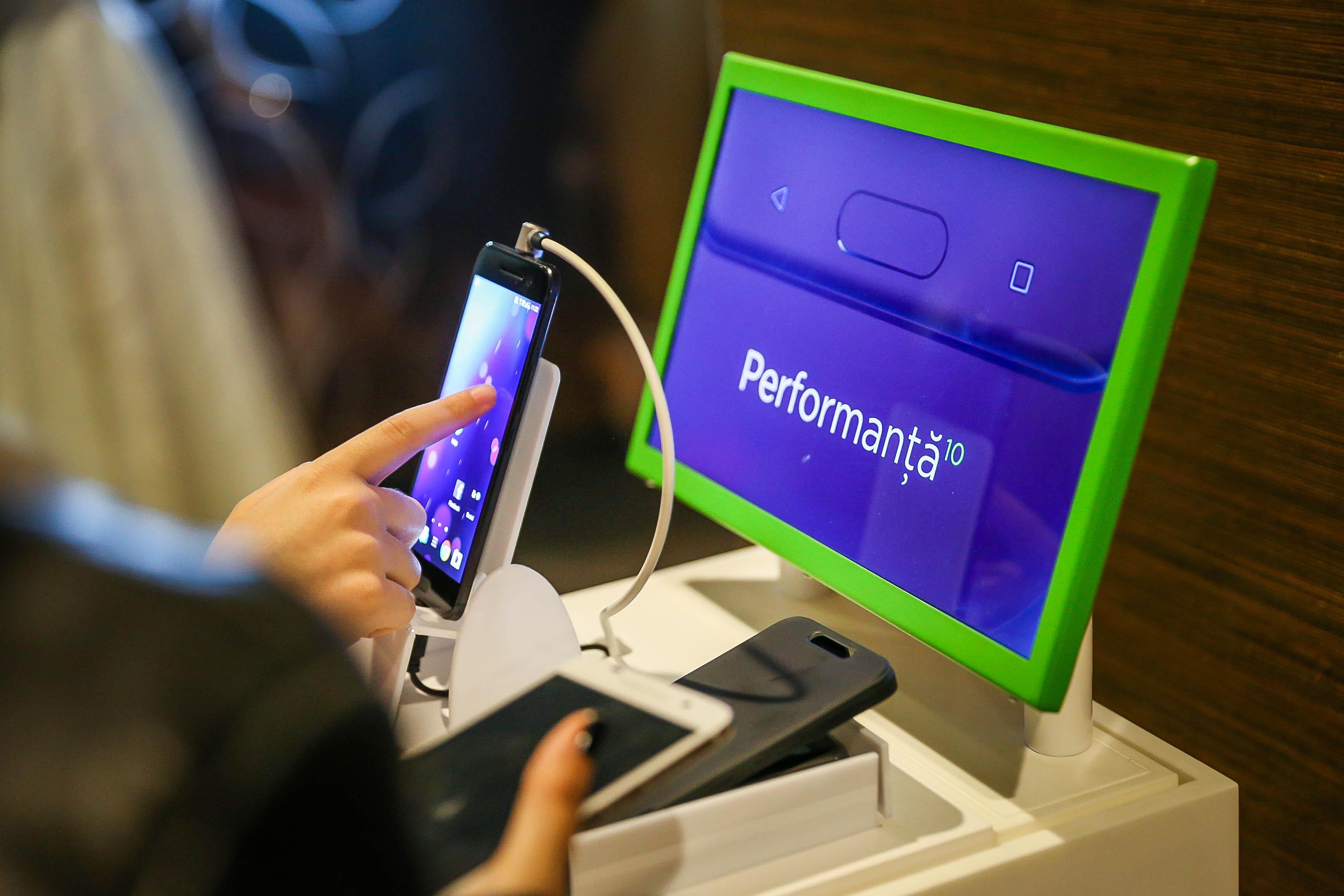 Noul HTC 10 a sosit în România