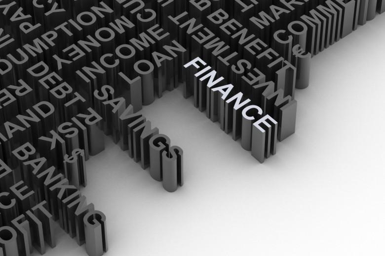 Băncile, în proces teoretic continuu de perfecţionare