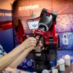 Accenture a susţinut proiectele IoT universitare