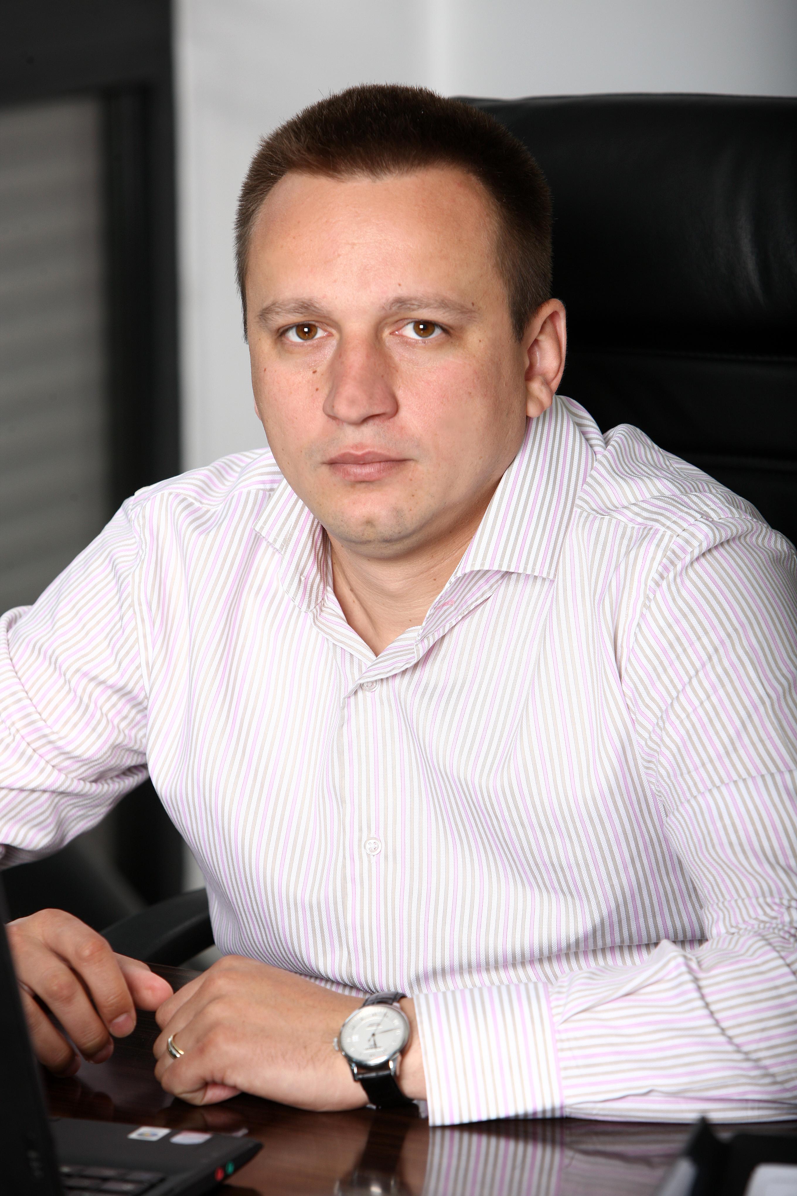 Emil Munteanu, Power Net Consulting:  Vrem să descoperim cu ajutorul comunității de de profesioniști IT din România care sunt provocările pe care le-au avut până acum precum și la ce se așteaptă de acum înainte.