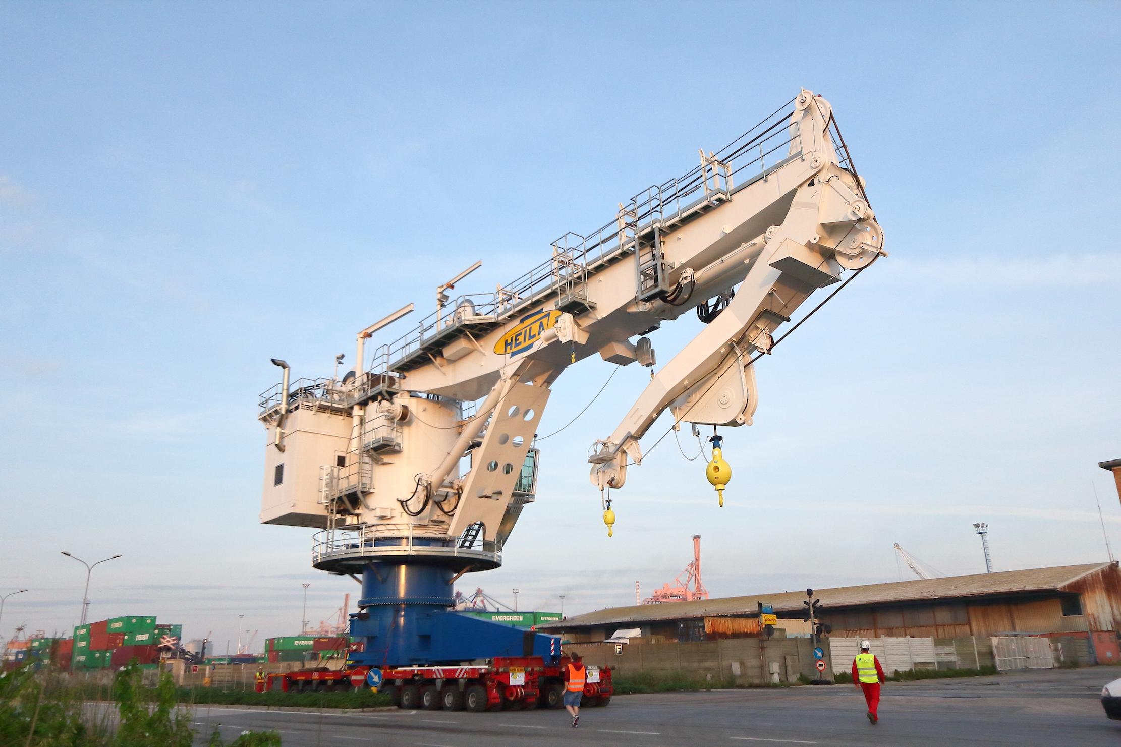 epe006351-crane-image-1
