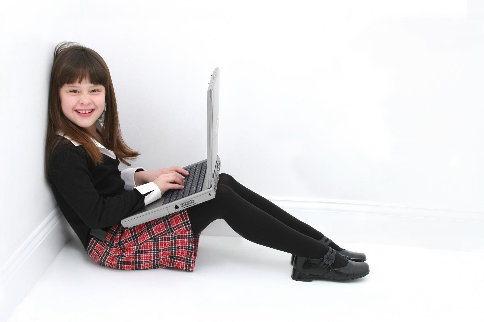 Copii folosesc intens retele de socializare