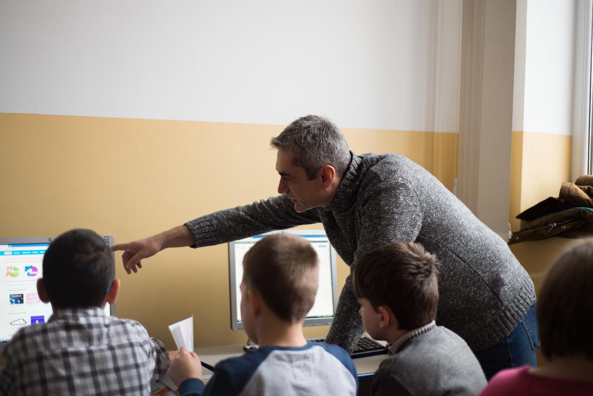 Angajații SAP organizeaza un club de programare pentru elevi