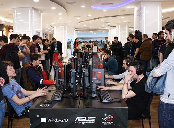 Turneul offline de gaming ASUS în Plaza Mall București