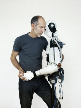 Robotul humanoid vine la Bucharest Technology Week