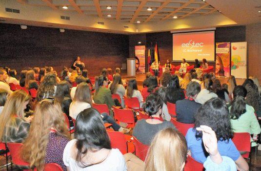 Smart Girls! Conference incurajeaza doamnele si domnisoarele care vor o cariera in domeniul IT