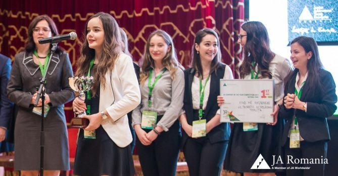 Tinerii antreprenori premiati la Gala JA Hall of Fame