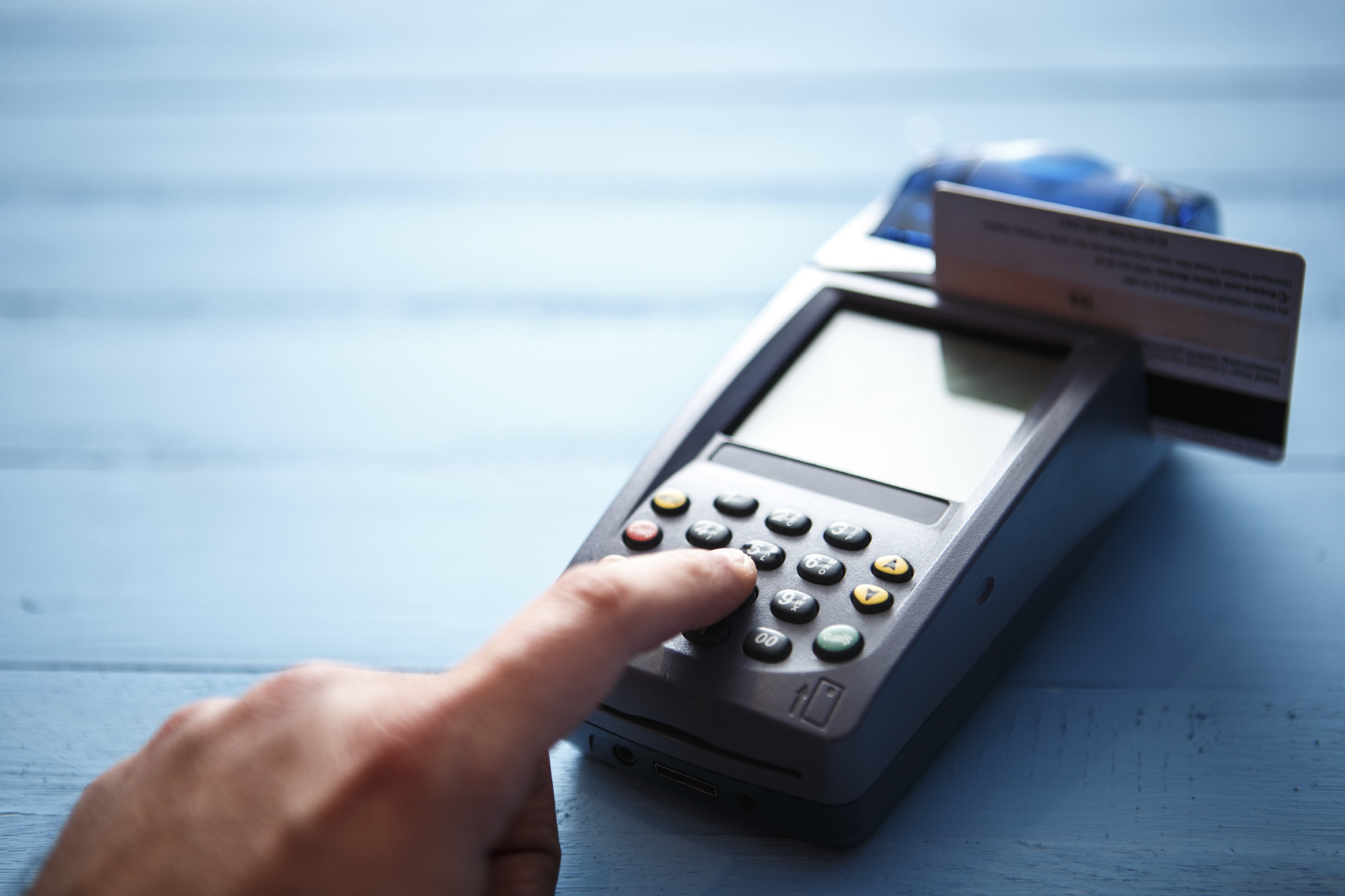 Cum pot fi reduse pierderile generate de fraudarea platilor online