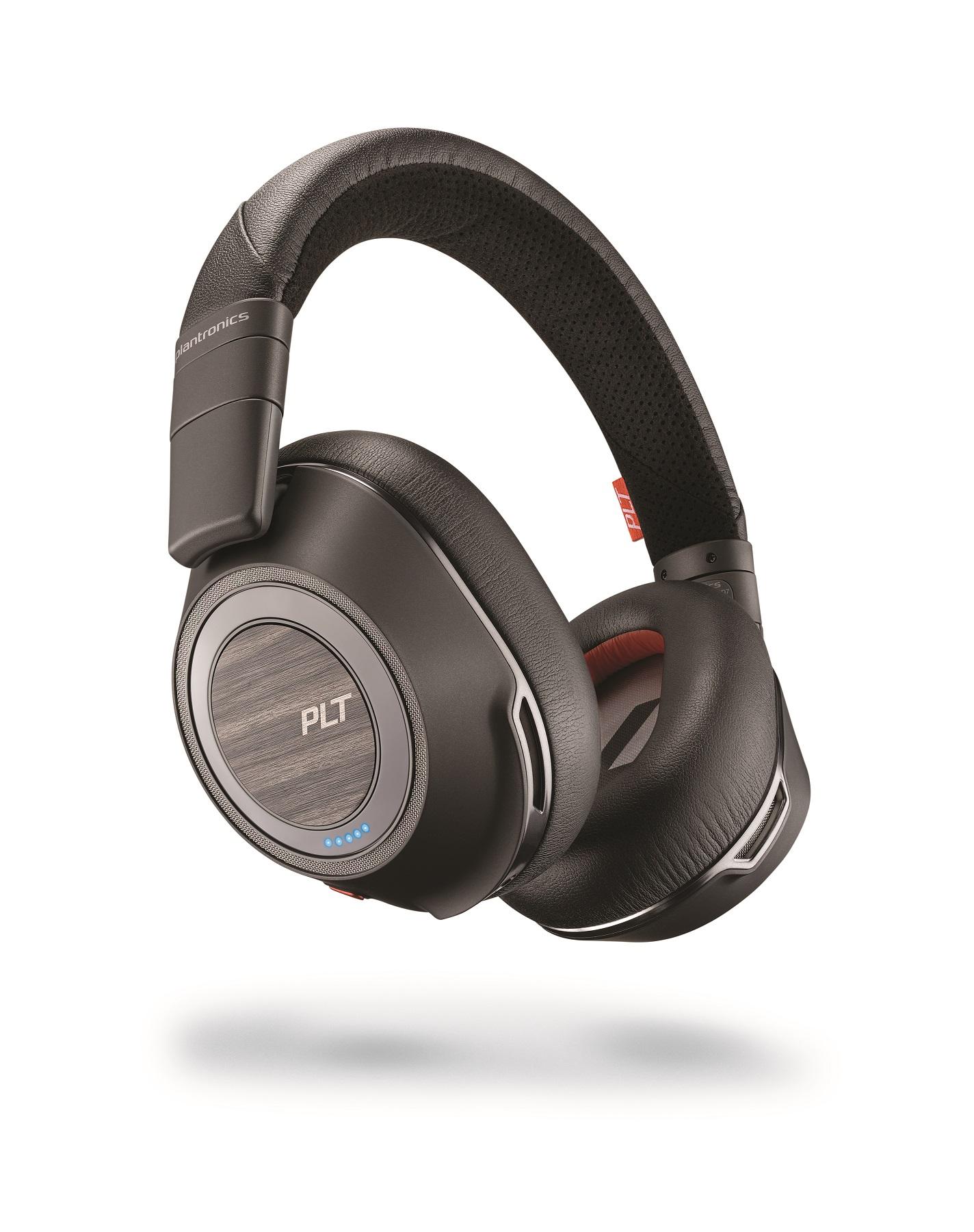 Incinta acustica la purtator cu noile casti audio Plantronics Voyager 8200 UC Bluetooth