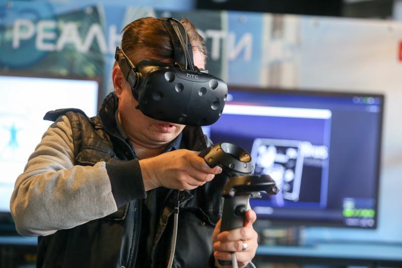 Utilizatorii se așteaptă ca AR și VR să se îmbine cu realitatea