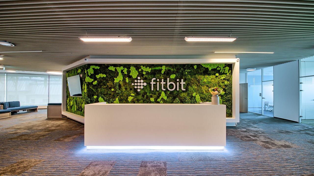 Fitbit lansează biroul din București