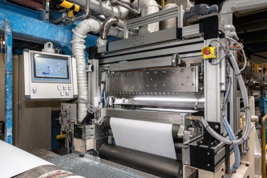 Cel mai nou și performant model de mașină de aplicare a tratamentelor pentru hârtie instalat la  fabrica-pilot BASF