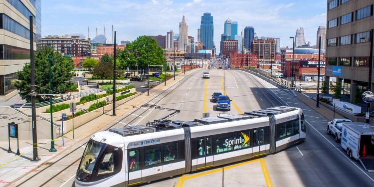 Rețelele inteligente au un rol vital în dezvoltarea unui smart city