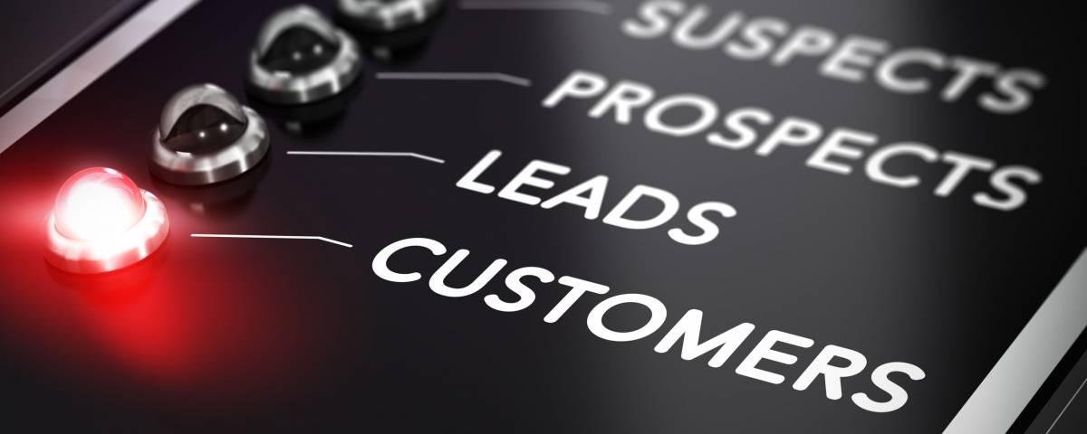 Când e nevoie de implementarea unui modul CRM pentru marketing și vânzări