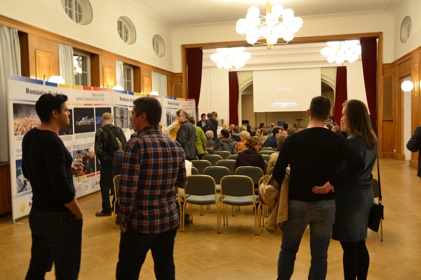 AGERPRES a prezentat la Stuttgart expoziția de fotografie România: Evoluție și filmul Marea Unire – România, la 100 de ani