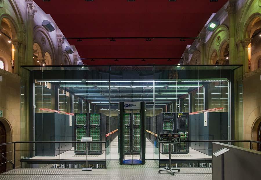 O capelă din Barcelona a devenit un mare supercomputer