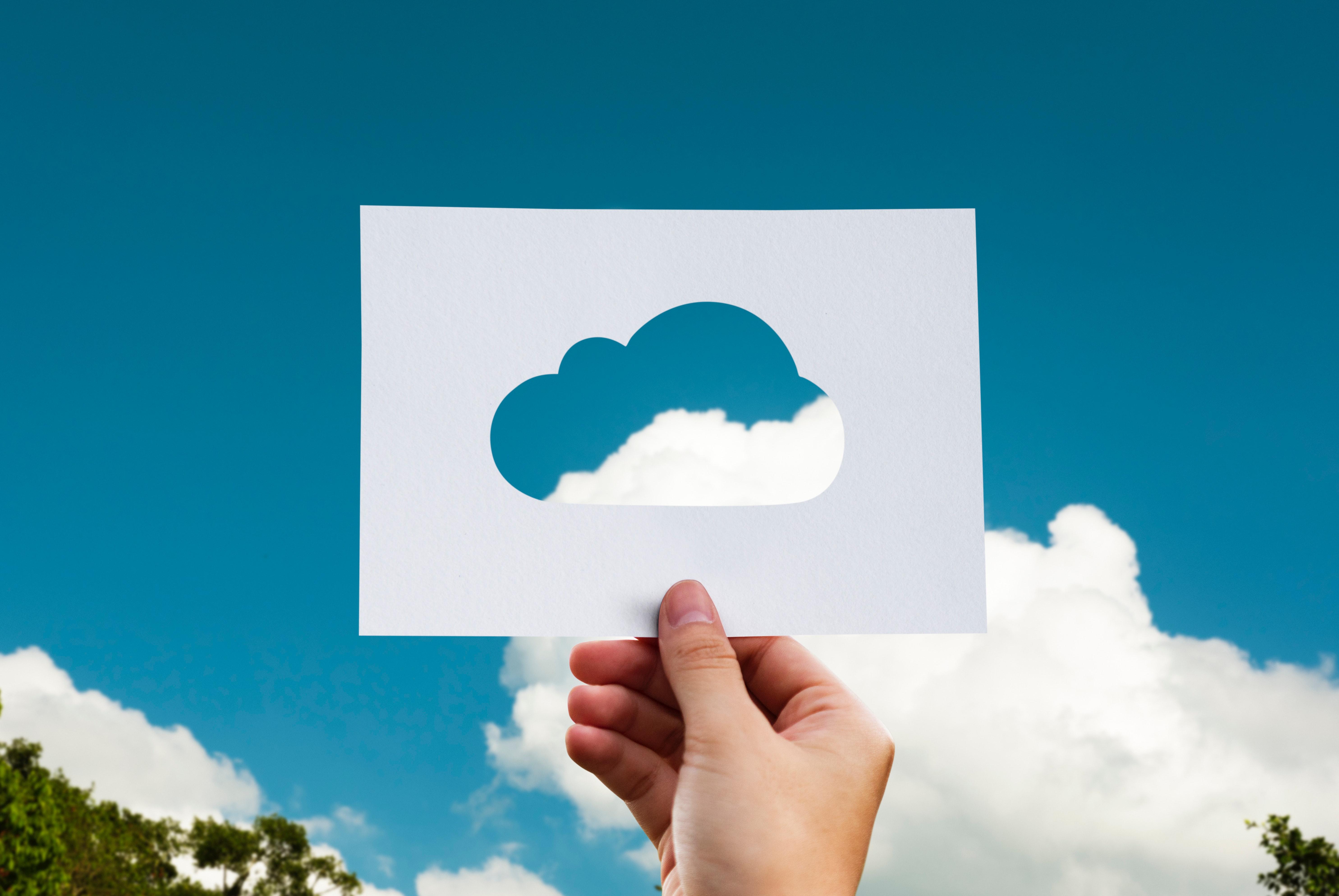 Cererea de cloud creşte sectoare adiacente