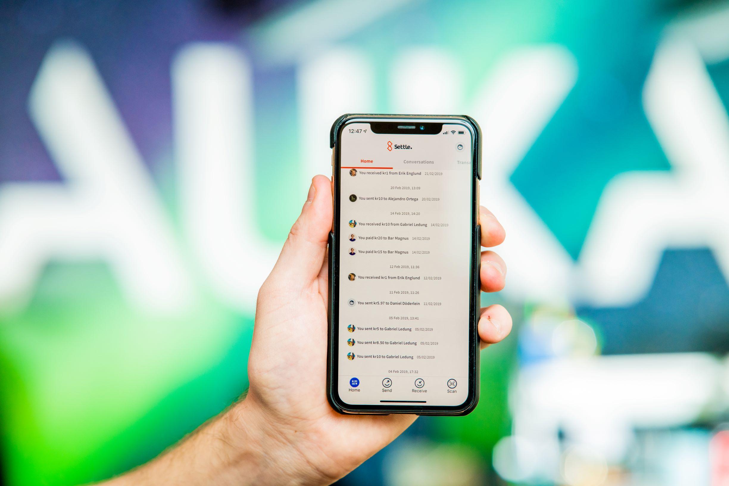 Norvegienii de la Auka aduc o aplicație de plată mobilă în România