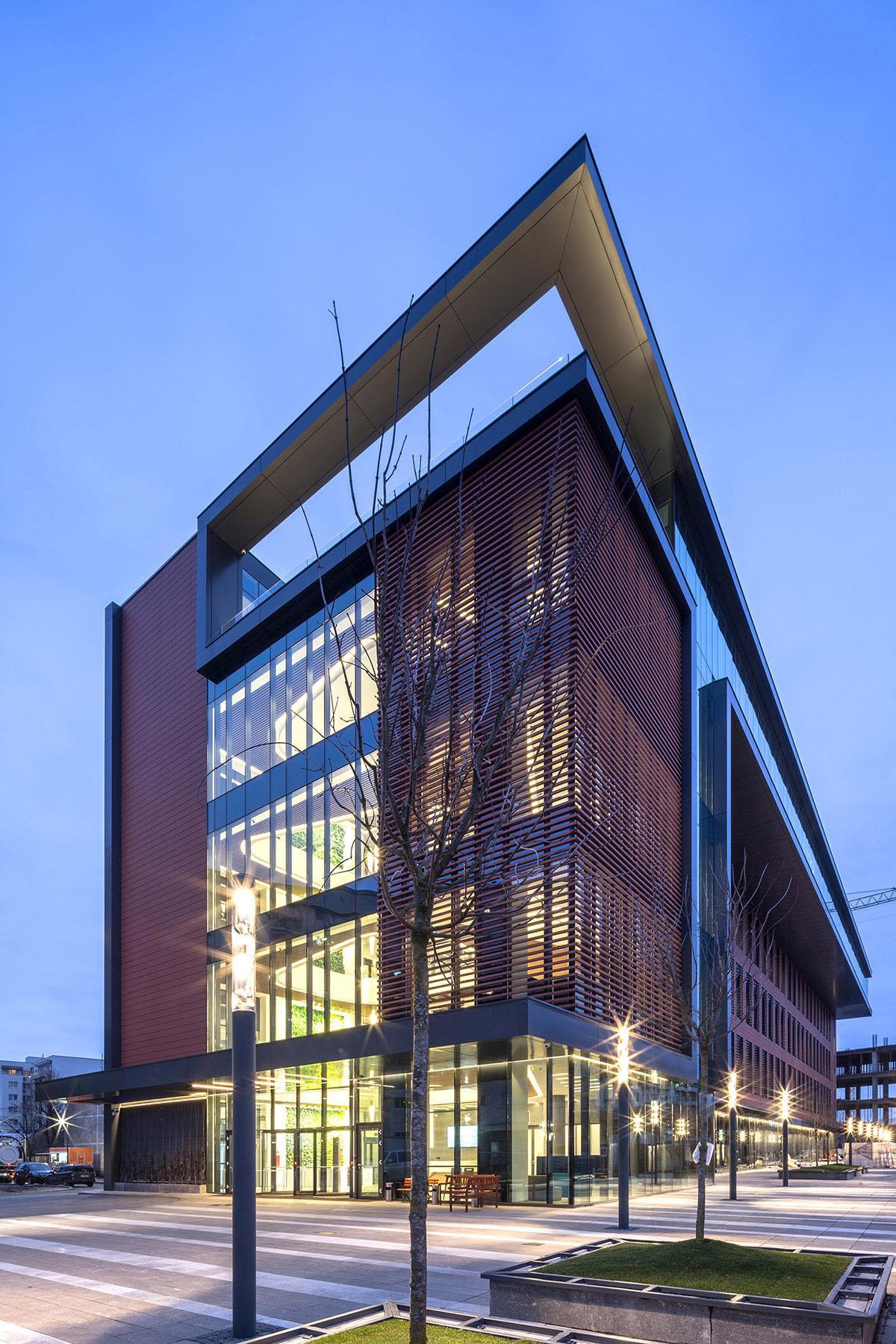 O fabrică veche din Cluj-Napoca  se transformă într-o clădire de birouri verde