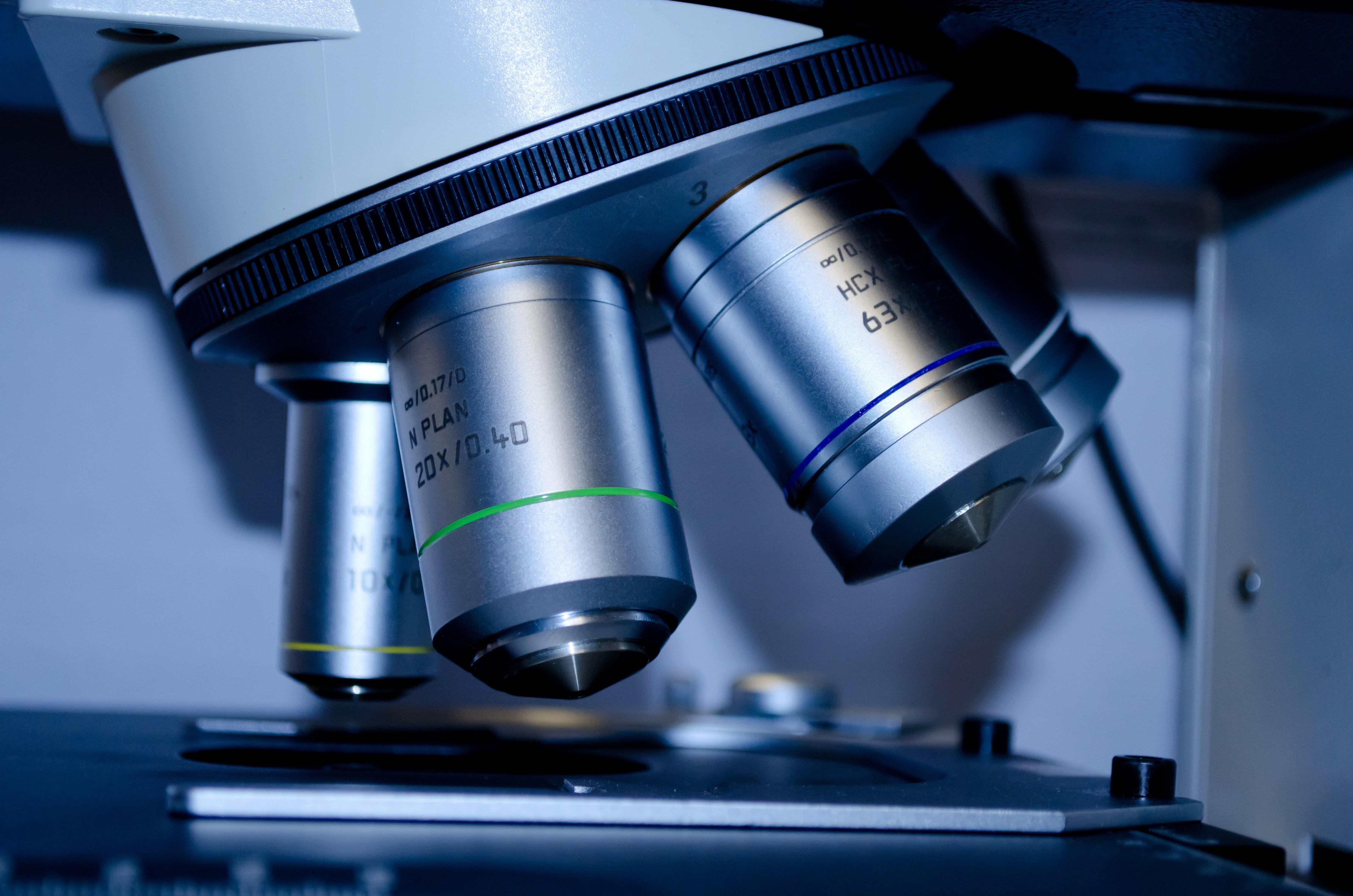 Bursele Accenture ajută studenții din Târgu Mureș să dezvolte soluții pentru depistarea cancerului sau a retinopatiei diabetice