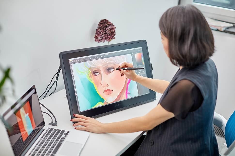 Tableta grafica perfectă pentru pentru cei care studiază arta și design-ul