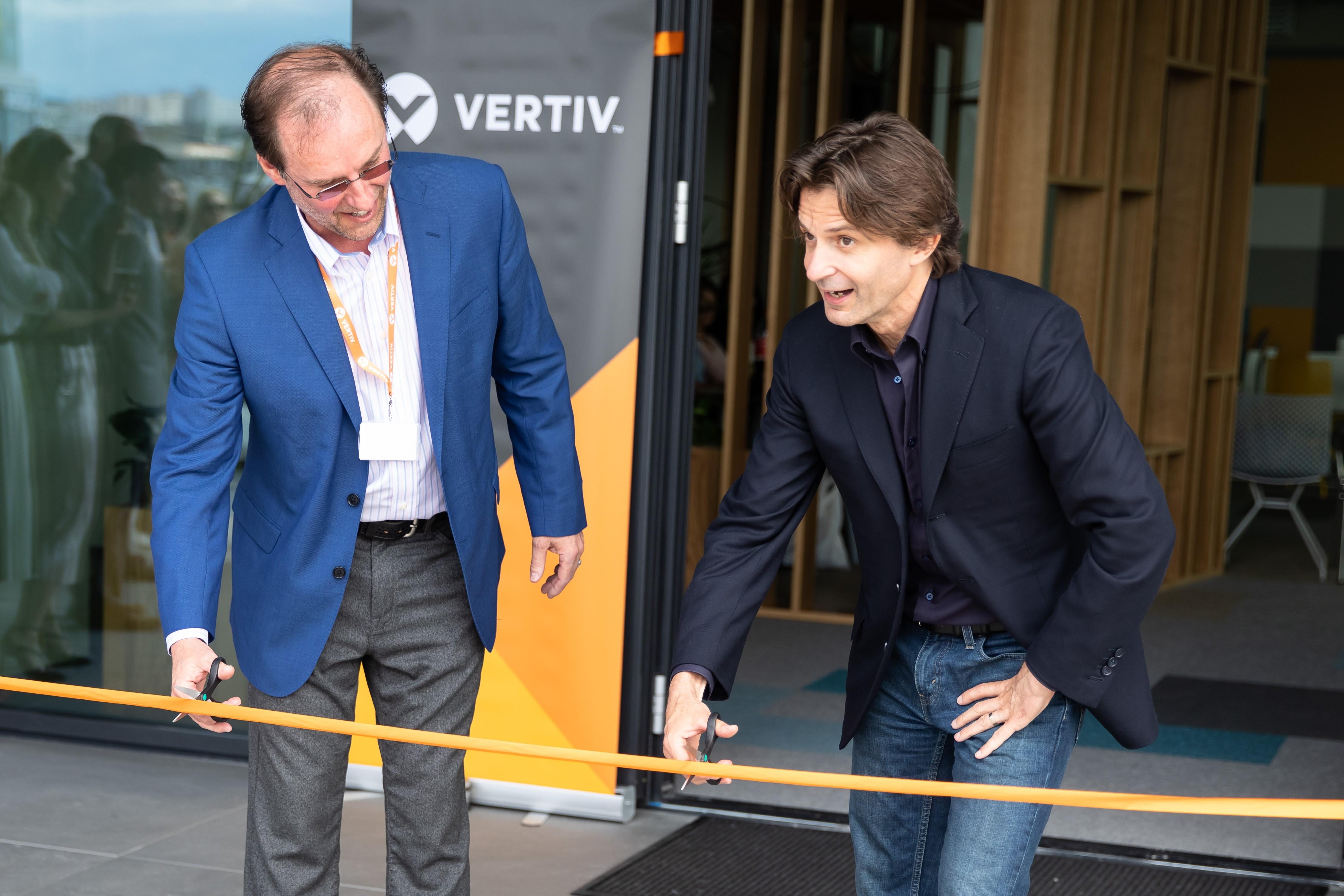 Vertiv a inaugurat noi birouri în Cluj-Napoca şi îşi consolidează operaţiunile  la nivel global