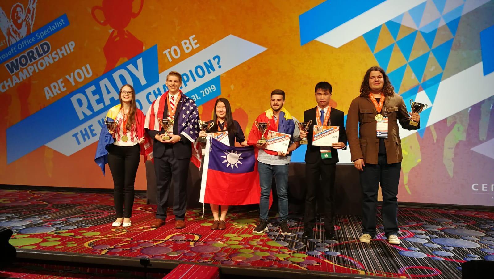 România, dublă campioană mondială la concursul Microsoft Office Specialist World Championship la Word și Excel și premiată cu bronz la categoria PowerPoint!