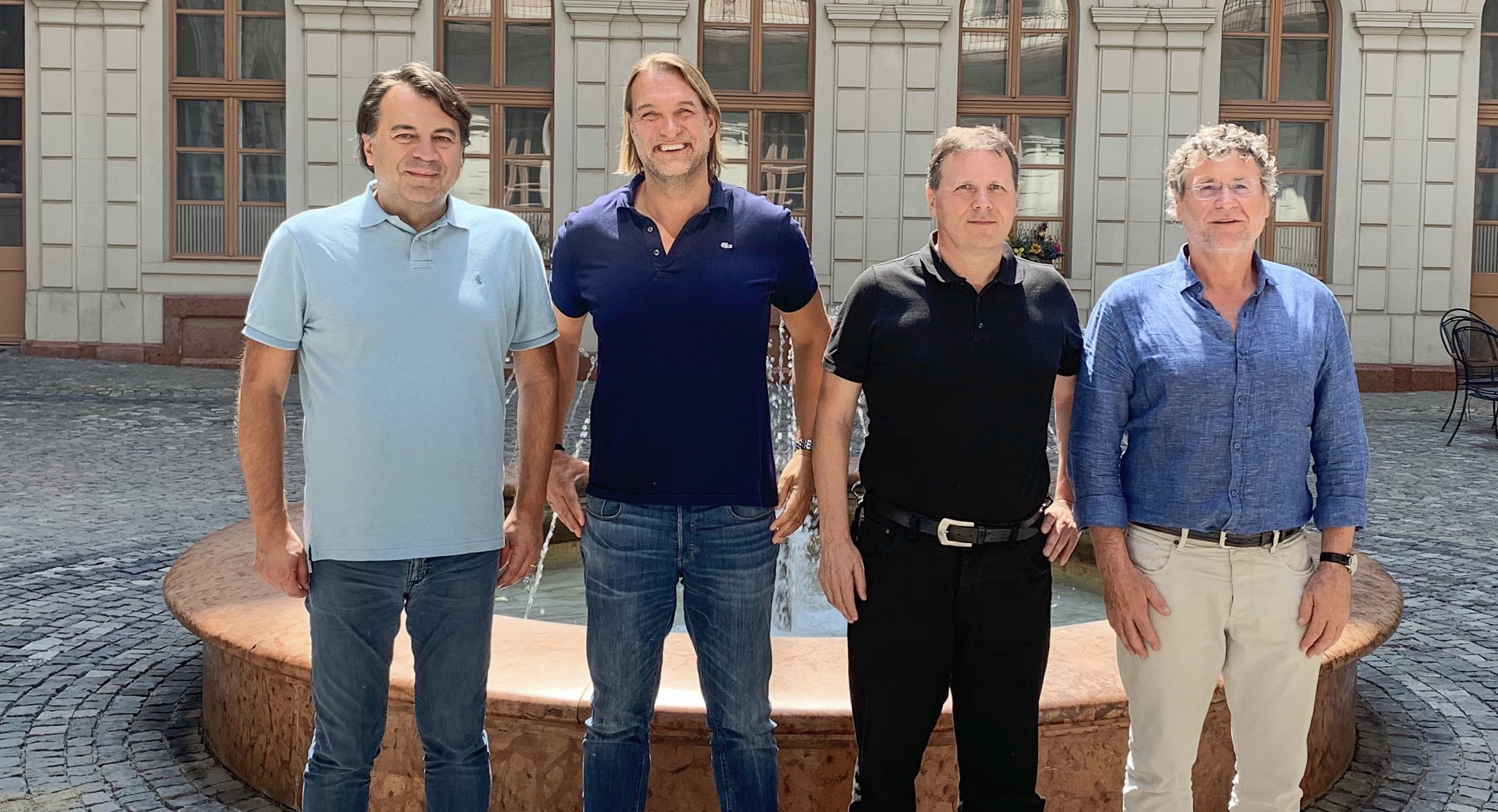 Dejan Popovic, Co-founder and Director, New Frontier Holding Gmbh Uwe Bergmann, CEO, COSMO CONSULT Group Herbert Breitler, CFO, COSMO CONSULT Group Dr. Schvarcz Zoltán, Founder and Owner of XAPT Solutions Kft.
