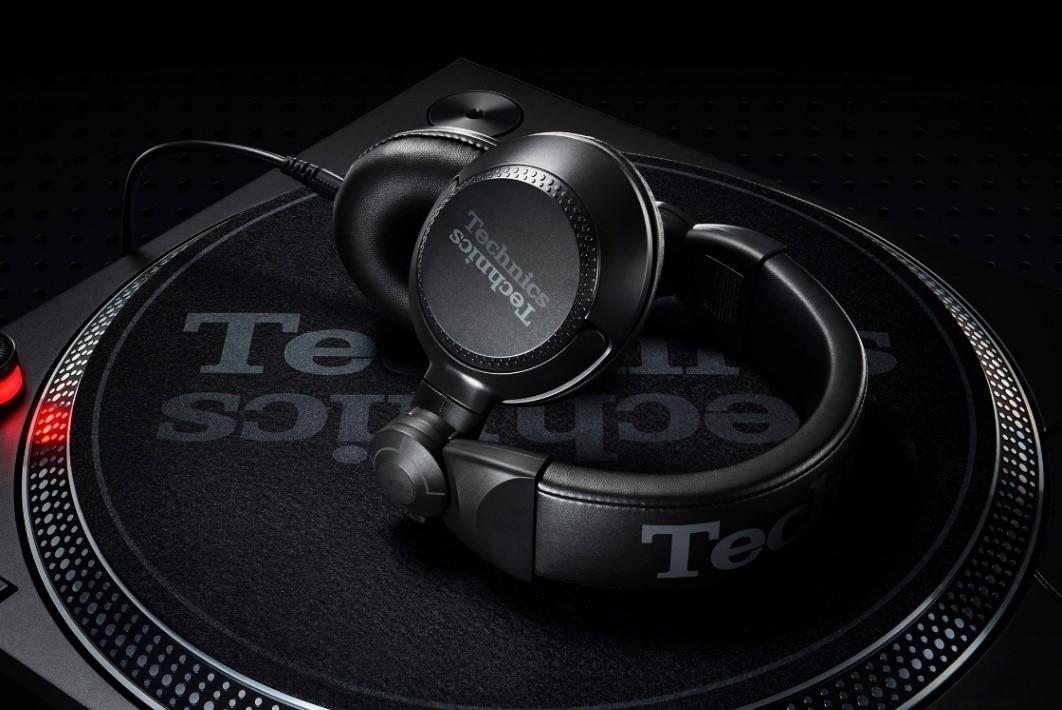 Noile căști Technics pentru DJ