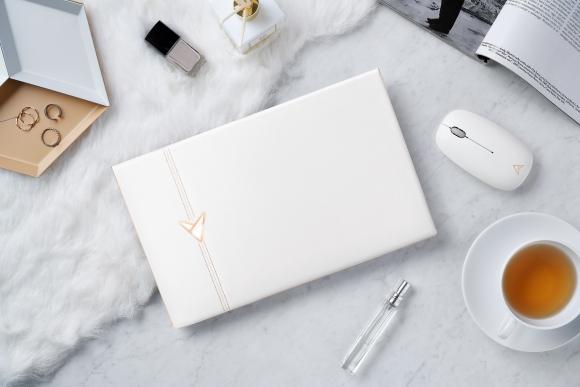 Notebook-ul aniversar ASUS ZenBook Edition 30 prezent în România
