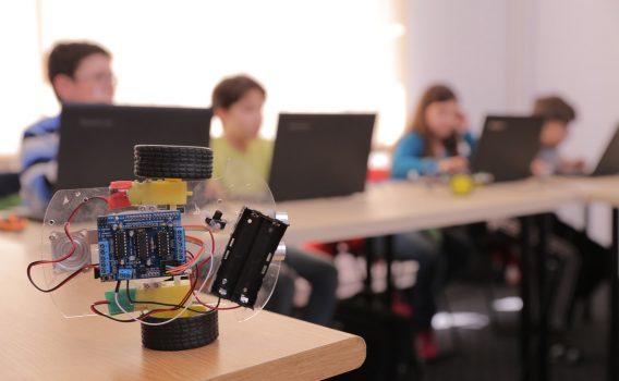 Academia Micilor Developeri se extinde în sistem de franciză