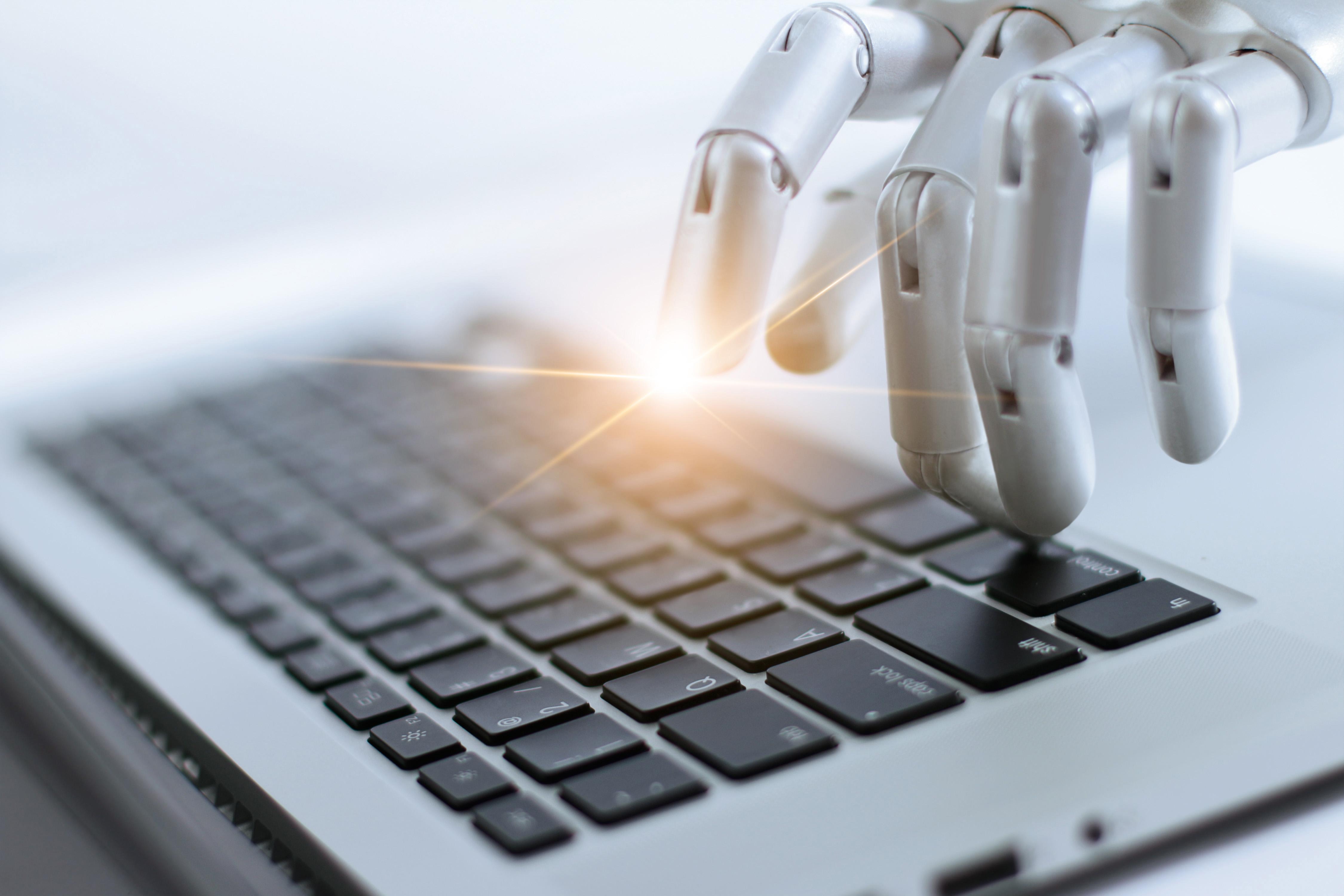 Roboţii software – un cost mic pentru organizaţie, dar un pas mare pentru productivitate