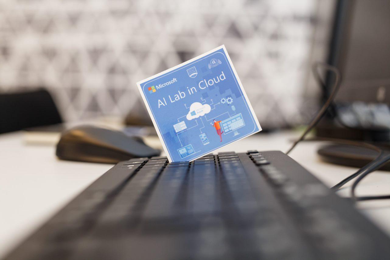 Primul laborator dotat cu inteligență artificială, deschis la ASE, cu sprijinul Microsoft