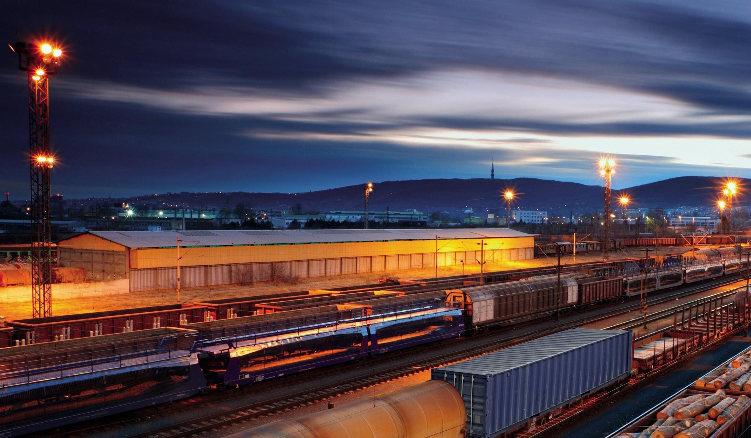 Transport feroviar special, din Wuhan către Franța, în sprijinul producției auto din Europa