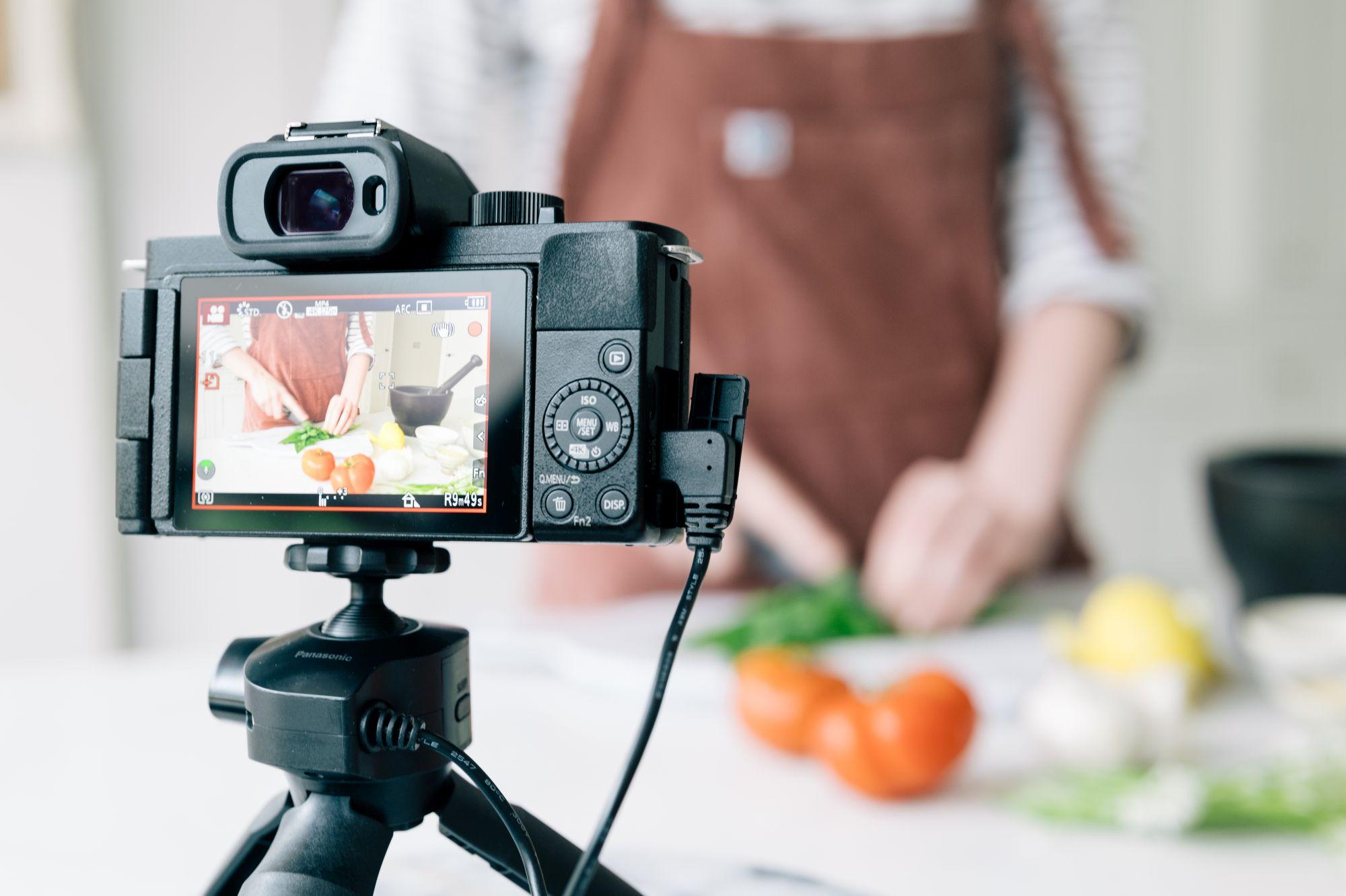 Noua aplicație Panasonic pentru webcam precum și actualizari de firmware