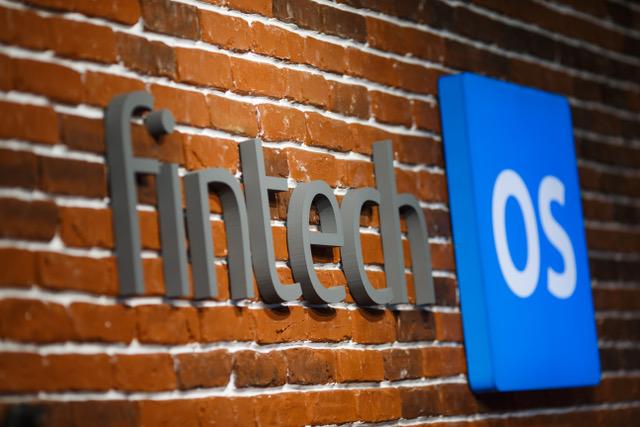 Băncile au la dispoziție o soluție exclusiv digitală pentru operațiunile zilnice
