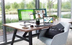 Gândit pentru companii mici sau mijlocii, HP Business Boost oferă tehnologia, securitatea și serviciile necesare pentru a susține munca la distanță la un cost lunar accesibil.