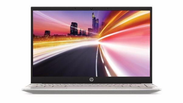 HP lansează noi laptopuri premium în gamele Spectre și Pavilion