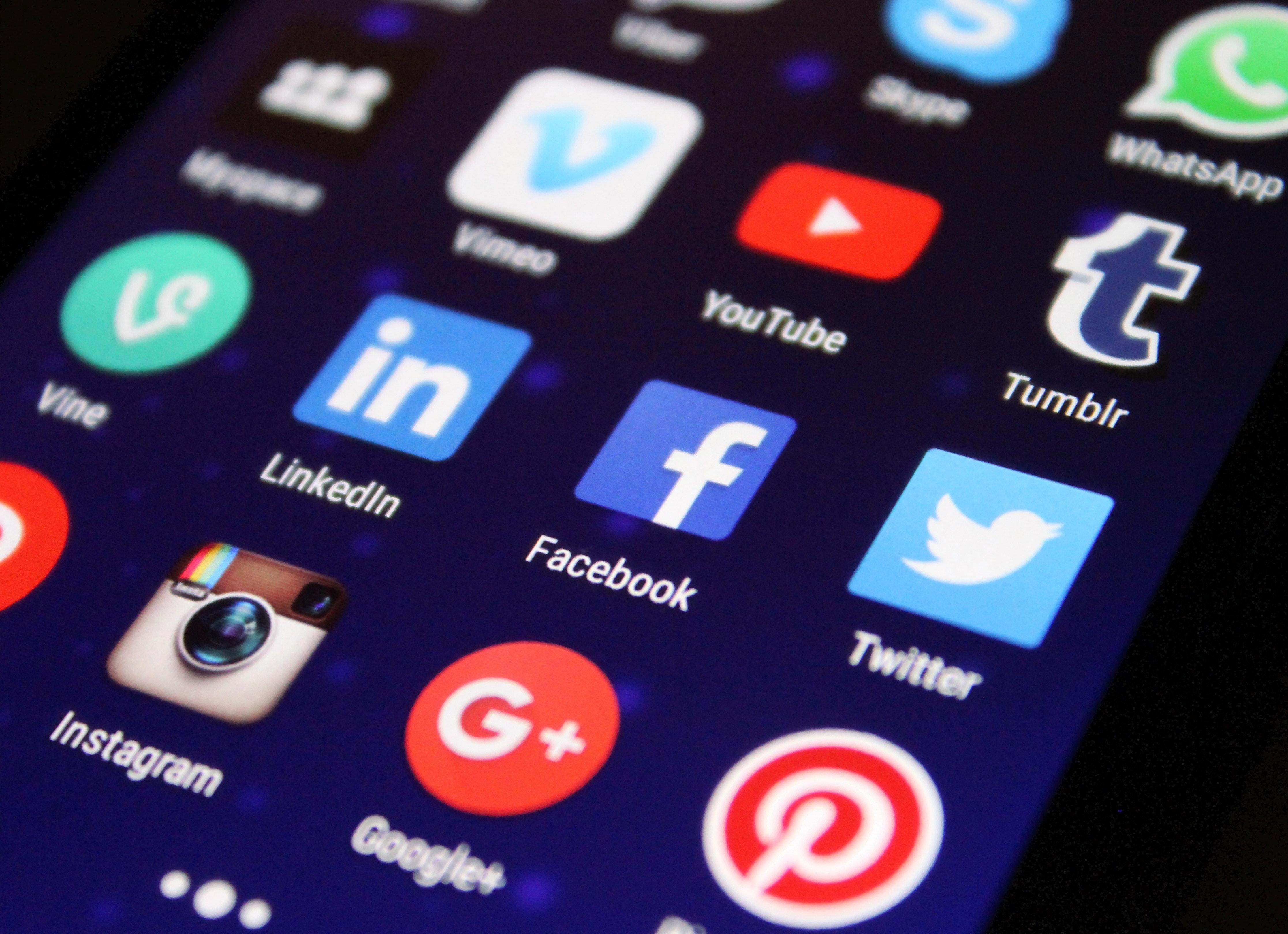 Care sunt serviciile web cele mai vizate de atacatorii cibernetici