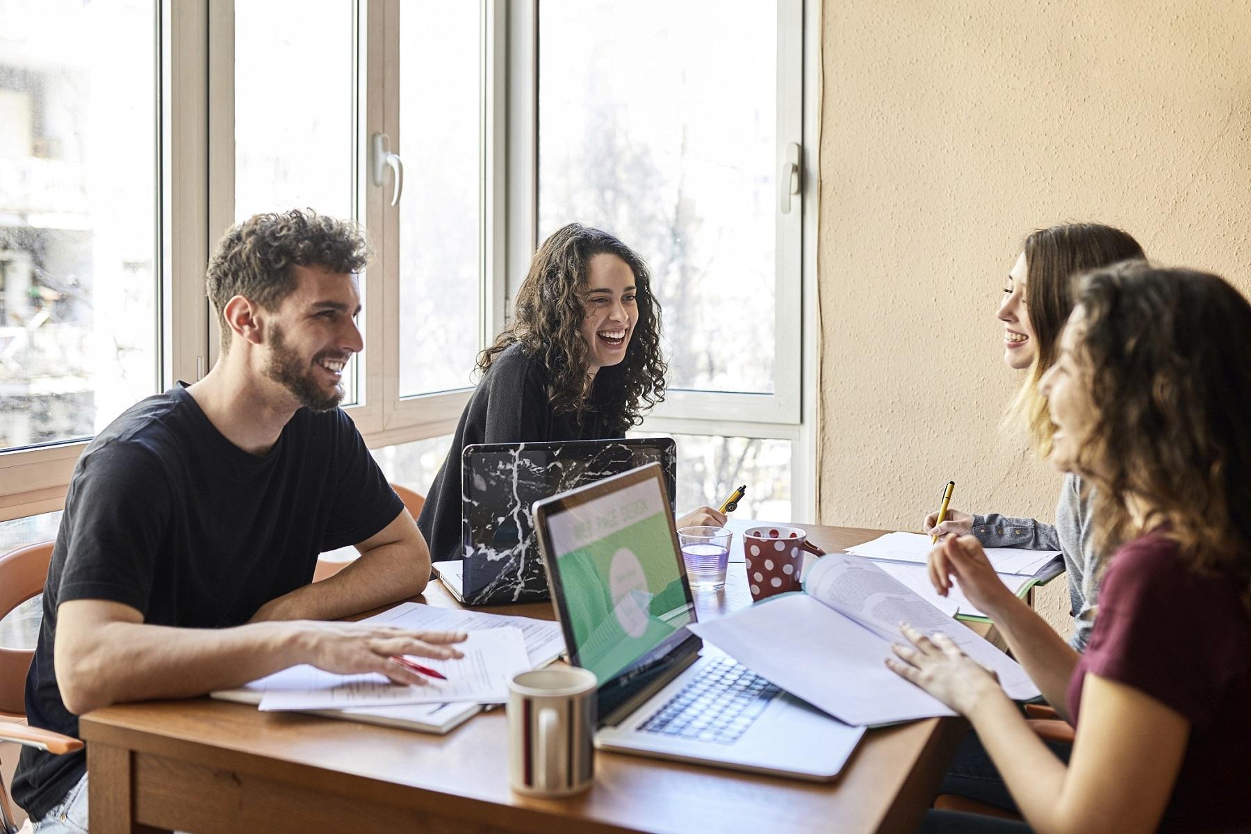Platforma Open P-TECH conectează tinerii cu locurile de muncă ale viitorului