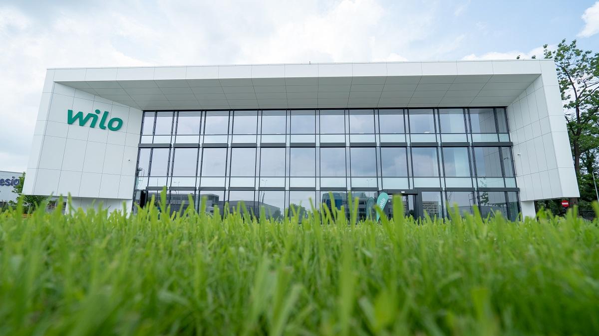 Wilo integrează tehnologiile solare cu cele de management inteligent al apei