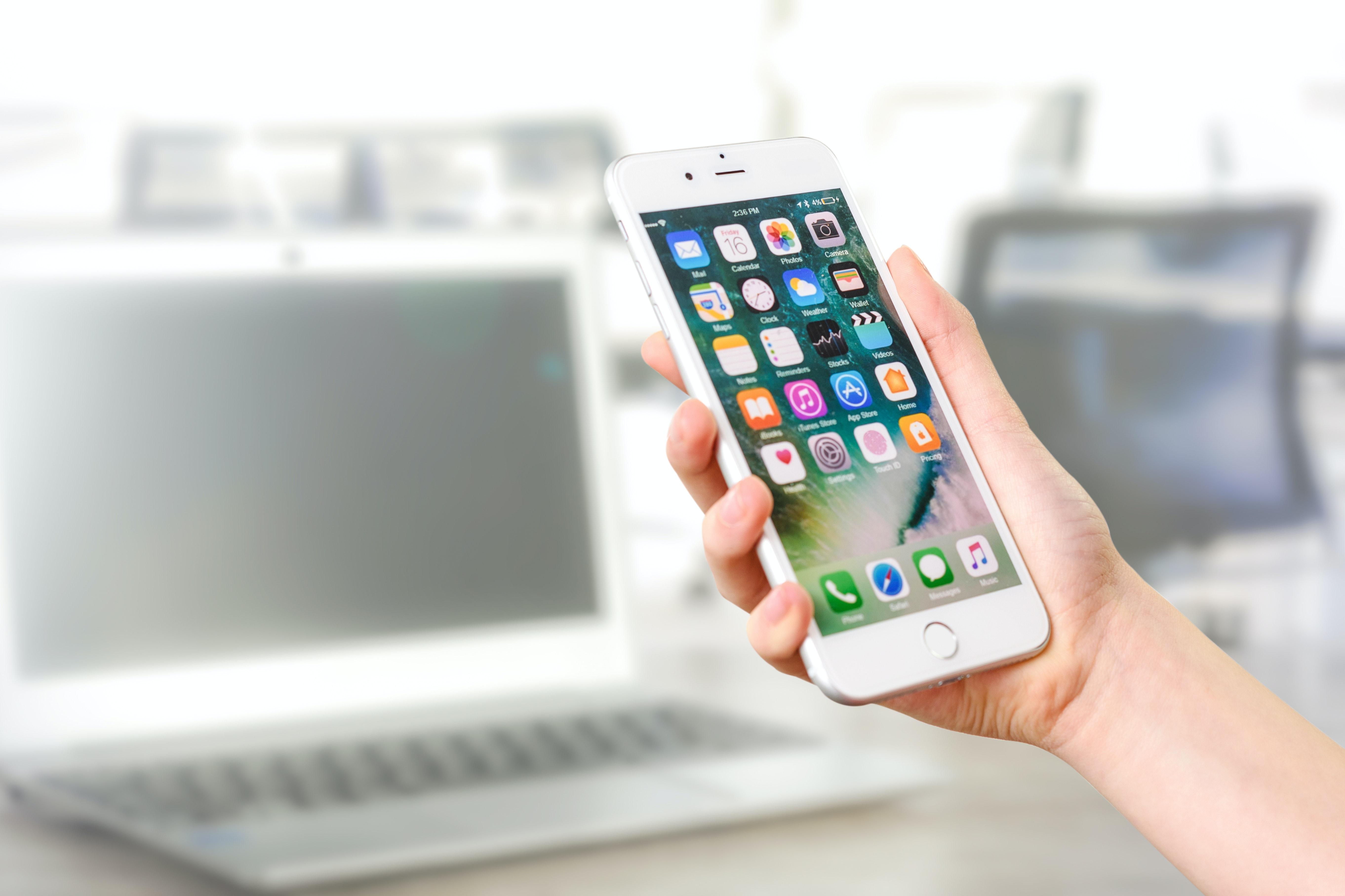 2020 devine anul aplicaţiilor mobile de colaborare