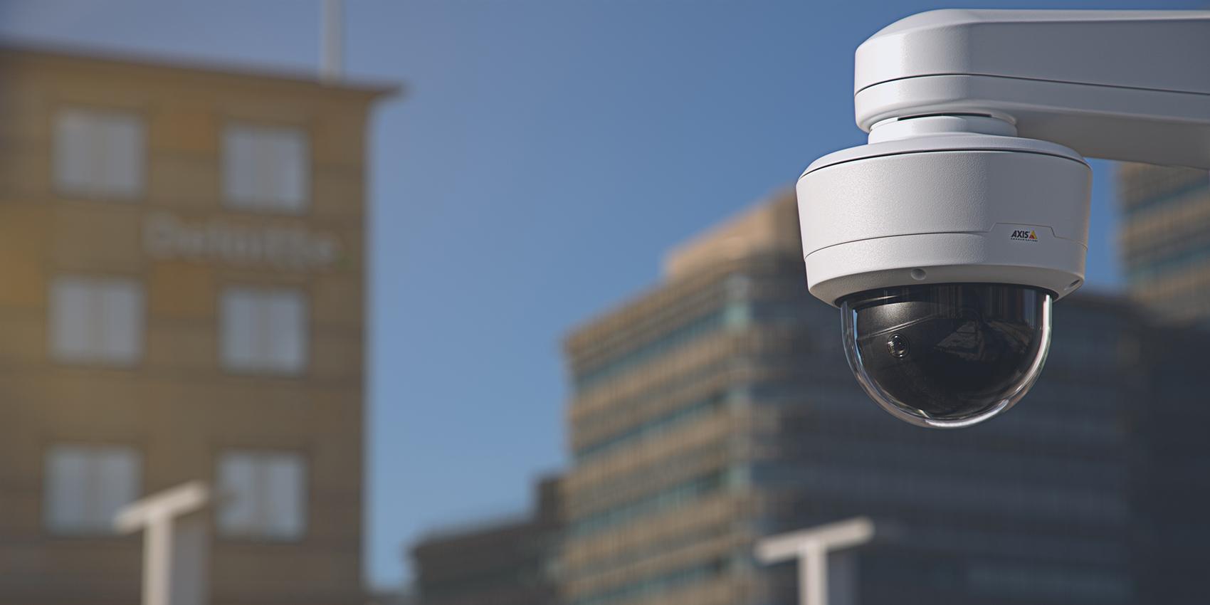 AXIS Q3819-PVE: cameră multi-senzor cu acoperire panoramică