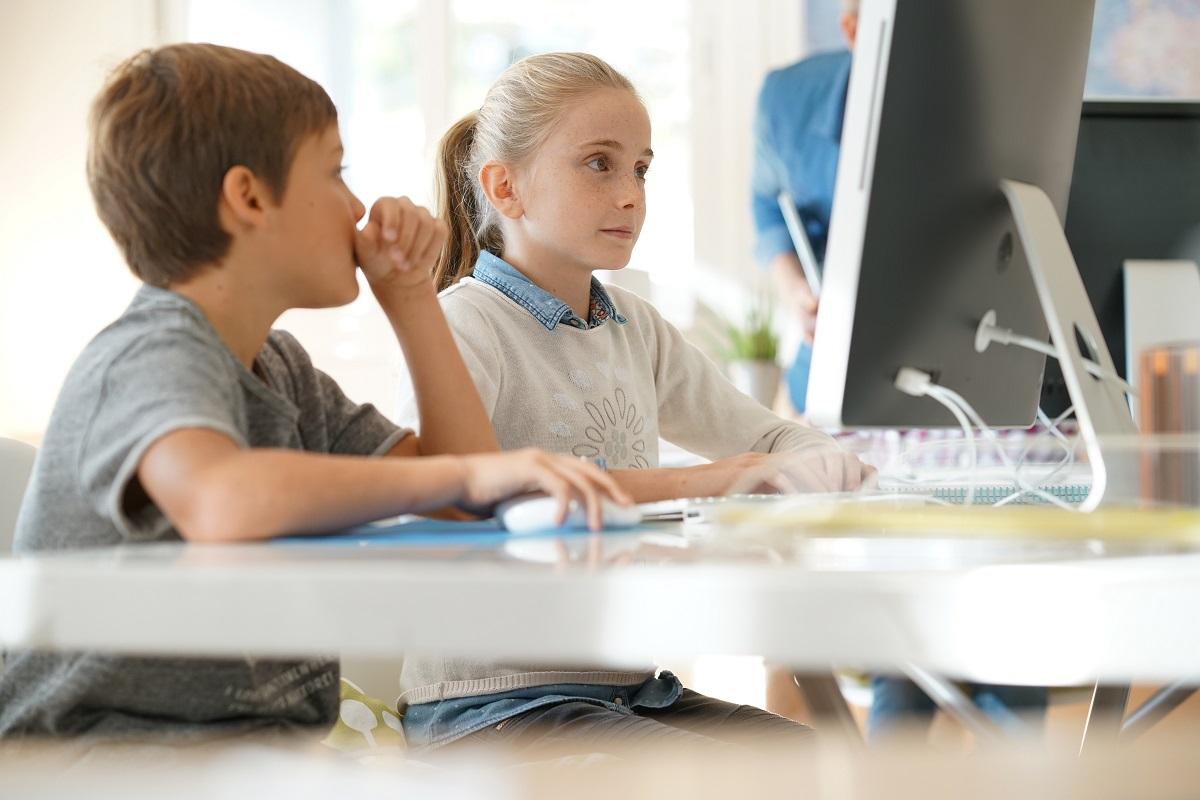 Numărul copiilor care au urmat online cursuri de programare s-a dublat, în pandemie