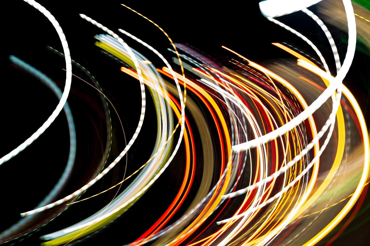 De la fragil la agil: democratizarea și descentralizarea, soluții de supraviețuire pentru organizații