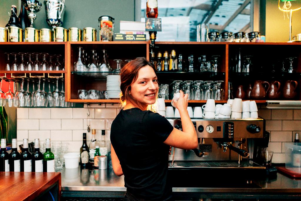 Angajații și freelancerii interesați să își deschidă o afacere în următorii doi ani